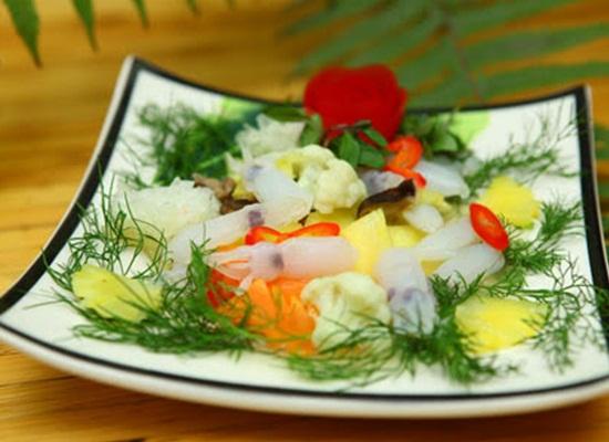 Cách làm món mực xào súp lơ ngon bổ dưỡng đơn giản tại nhà