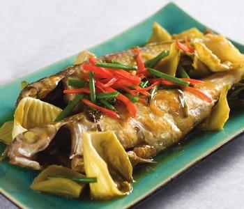 Cách làm cá đối kho dưa cải chua xua tan cảm giác chán ăn