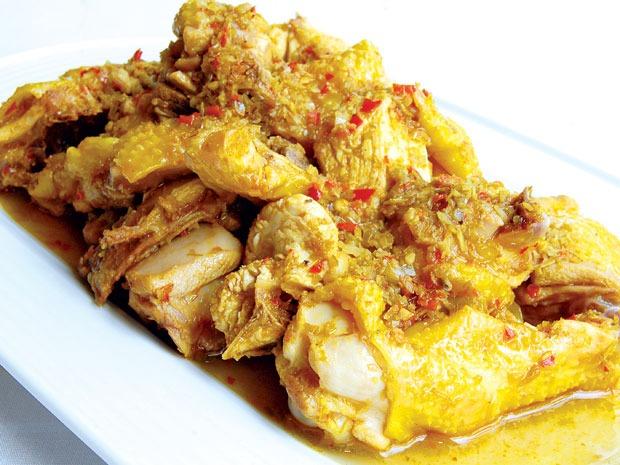 Cách làm gà xào sả ớt đơn giản cực cho ngày mua đông thêm ấp áp