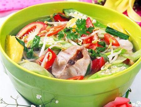 Cách nấu canh chua cá lóc bổ dưỡng kiểu miền Bắc tại nhà