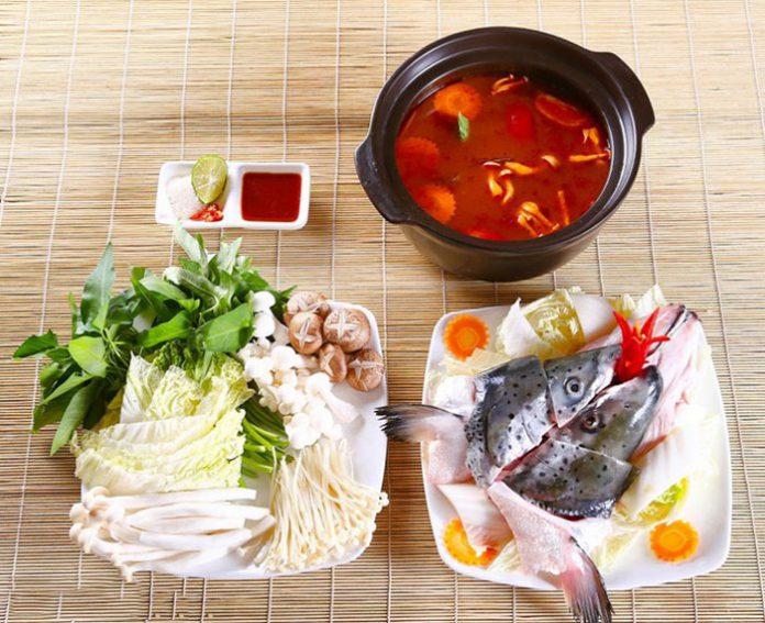 Cách nấu lẩu đầu cá hồi nấu măng chua NGON đơn giản TẠI NHÀ