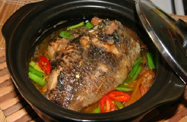 Cách chế biến cá rô phi kho dưa chua ngon ơi là ngon ăn là nghiền