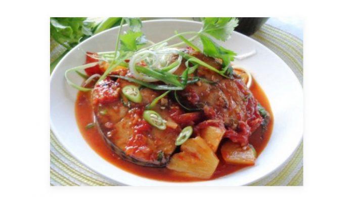 Cách làm cá ngừ kho dứa (thơm) ăn với bún NGON đơn giản TẠI NHÀ