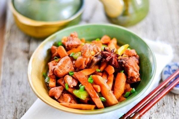 Cách nấu thịt gà kho măng đơn giản mà thơm ngon vô cùng