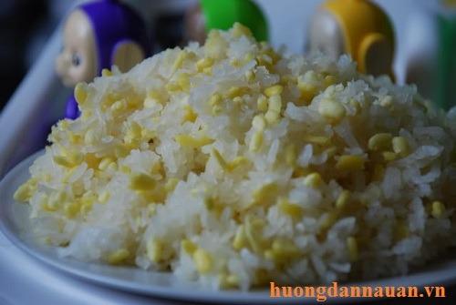 Cách nấu xôi đậu xanh nước cốt dừa ngọt bằng nồi cơm điện