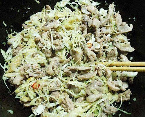 Các bước thực hiện nấu món vịt xào sả ớt